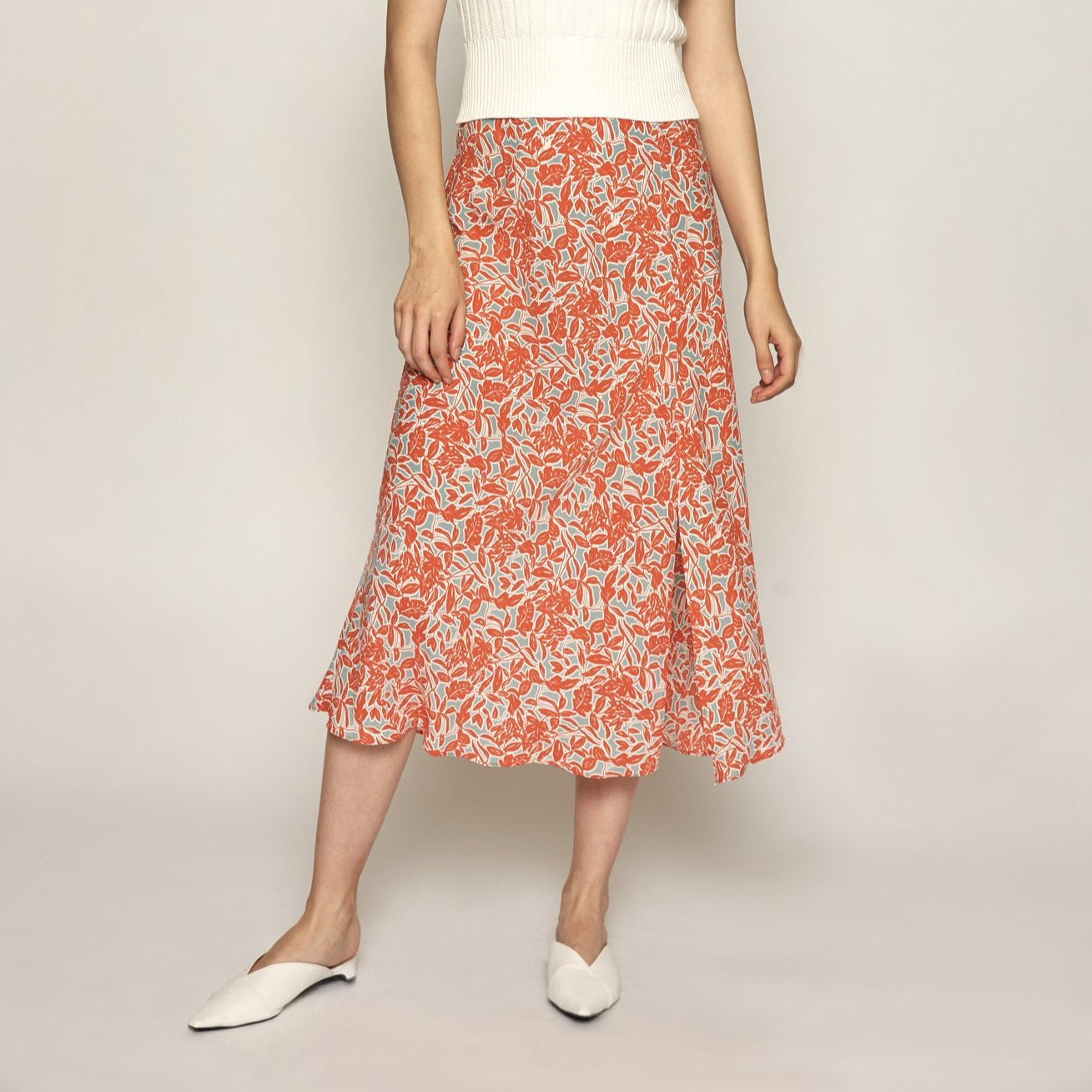 DELICATE FLORAL MIDI SKIRT