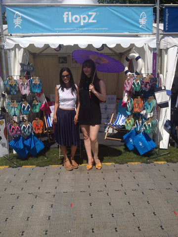 flopz-flip-flops-polo-in-the-park-hurlingham-young-girl-parasol.jpg