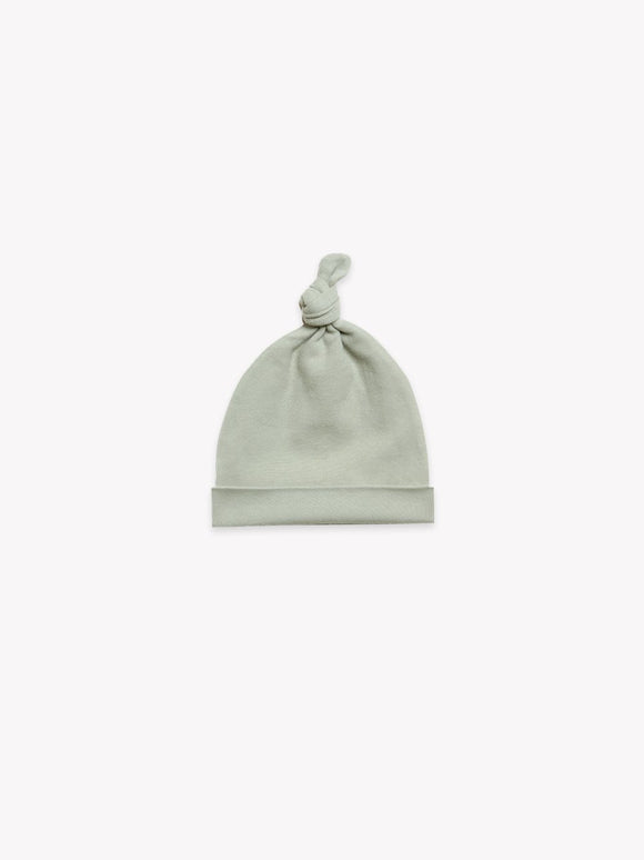 QUINCY MAE KNOTED BABY HAT (0-6M)