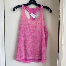 Load image into Gallery viewer, As is Lulu Lemon Athletic Top Size Medium