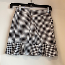 Load image into Gallery viewer, Shein Short Skirt Size Small