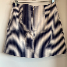 Load image into Gallery viewer, Urban Outfitters ( U ) Short Skirt Size Small