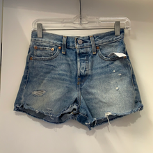 Load image into Gallery viewer, Levi Shorts Size 2
