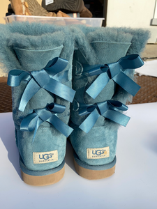 Uggs Boots Womens 9