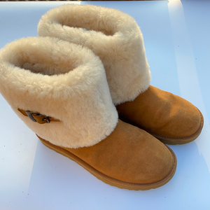 Uggs Boots Womens 8