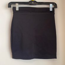 Load image into Gallery viewer, Missguided Short Skirt Size Small