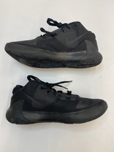 Load image into Gallery viewer, Nike Athletic Shoes Mens 9