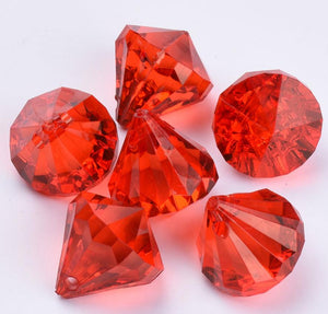 FACETED RED ACRYLIC DIAMOND PENDANT BEADS TOP DRILLED 15mm ACR187