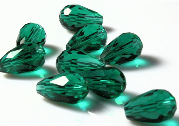 10 x FACETED TEARDROP CRYSTAL GLASS DROP PENDANTS 15mm OR 10mm 15 COLOUR CHOICE