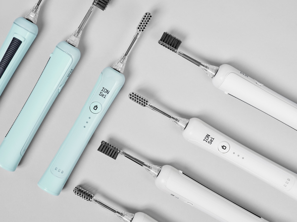 An image of ION-Sei electric toothbrushes.