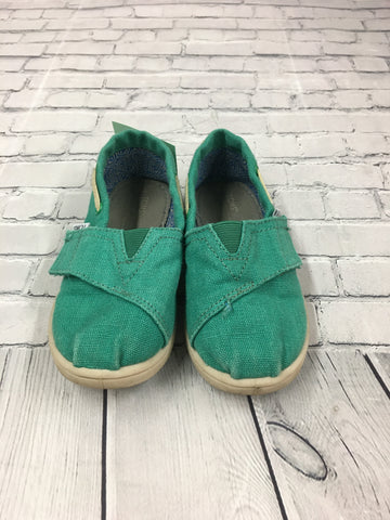 Toddler Shoes. Size 8. Toms
