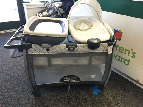 Graco Pack n Play with Bassinet, Changer & Bouncer Seat