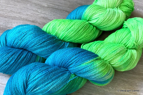Silky Merino Gold Sparkle Lace Special Base/Color Run - In Stock