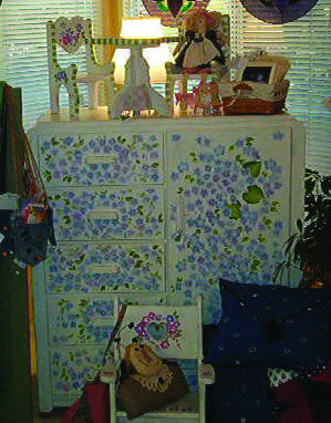 VINTAGE HAND PAINTED CHILD'S WARDROBE