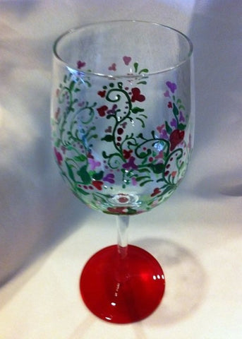 HAND PAINTED HEART VINE WINE GLASS