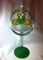 SHAMROCK WINE GLASS