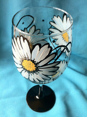 STILL ANOTHER DAISY WINE GLASS