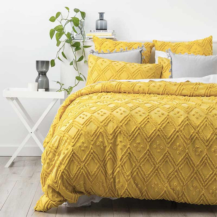 Park Avenue Medallion Cotton Vintage Washed Tufted Misted Yellow Quilt Cover Set