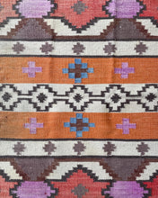 Load image into Gallery viewer, Kilim Area Rug
