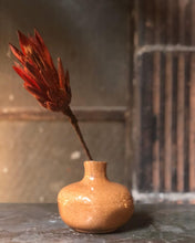 Load image into Gallery viewer, Little Bud Vase