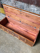 Load image into Gallery viewer, Lane Princess Cedar Chest / Coffee Table / Bench
