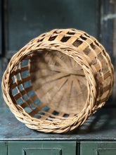 Load image into Gallery viewer, Rustic Basket
