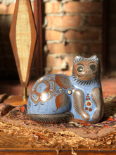 Load image into Gallery viewer, Tonala Hand-Painted Pottery Cat