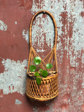 Load image into Gallery viewer, Wicker Loop Planter