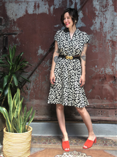 Load image into Gallery viewer, Leaf-Print Dress