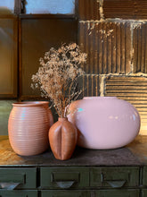 Load image into Gallery viewer, Pink Haeger Vase