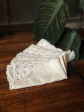 Load image into Gallery viewer, Embroidered Linen Napkin Set (8)