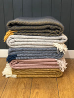 Load image into Gallery viewer, Wool Blanket - Fishbone
