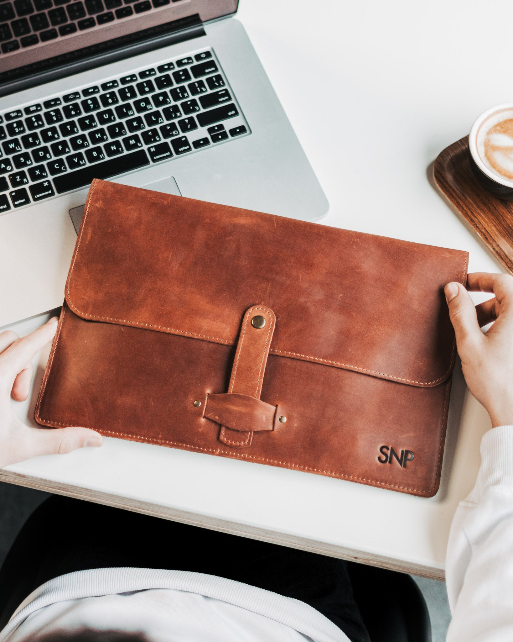 MacBook Pro 13 Leather Case Embossed