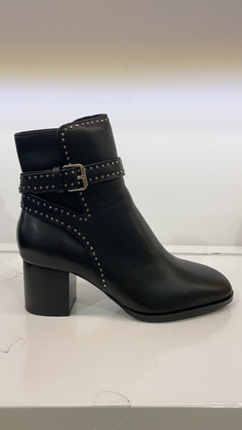 LC Heeled ankle boots with microstuds