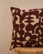 Load image into Gallery viewer, Attirail Bohemian Abstract Mauve Cushion
