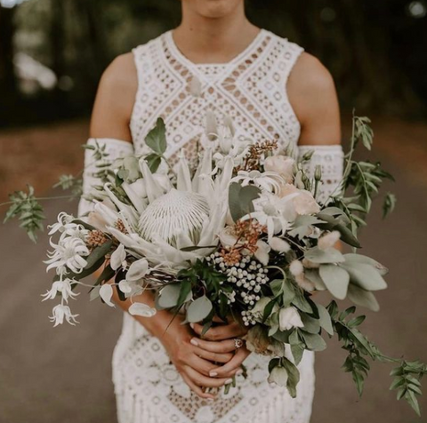 how much to budget for wedding flowers Australia
