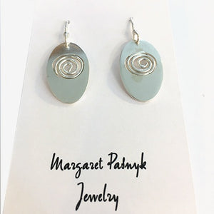 Earrings oval with inset swirl