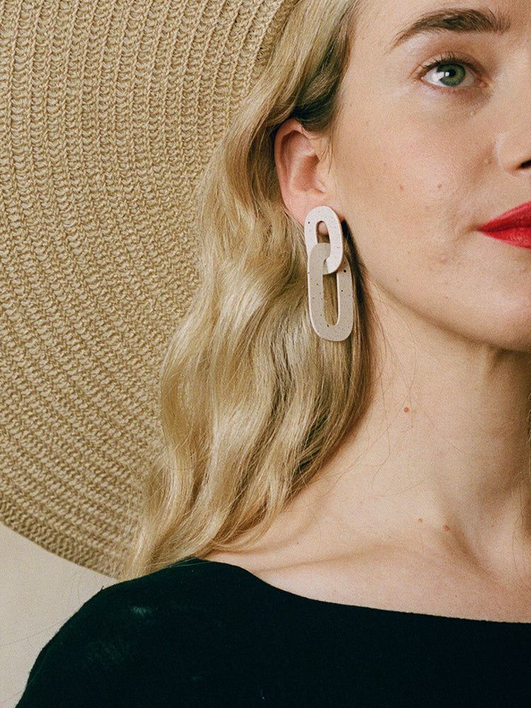 Alva Earrings in Eggshell