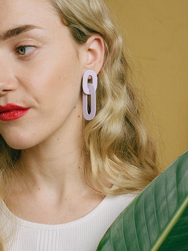 Alva Earrings in Lilac