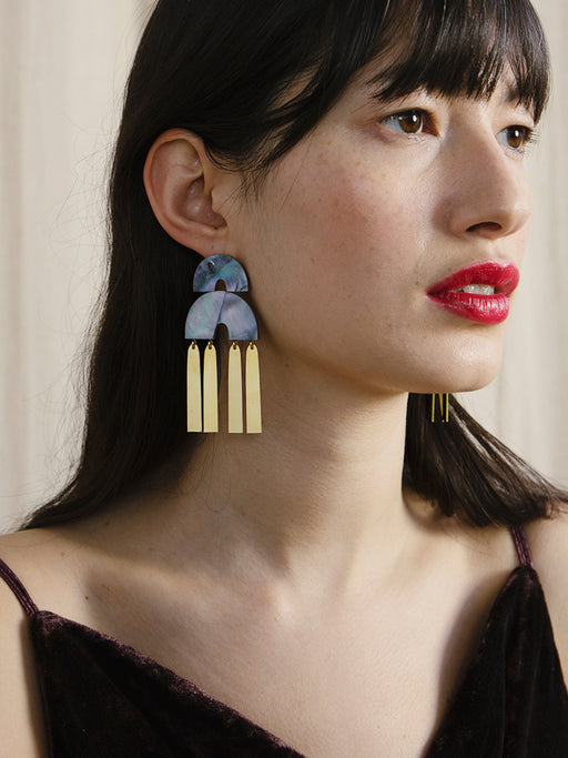 Cecilie Earrings in Blue Mother of Pearl