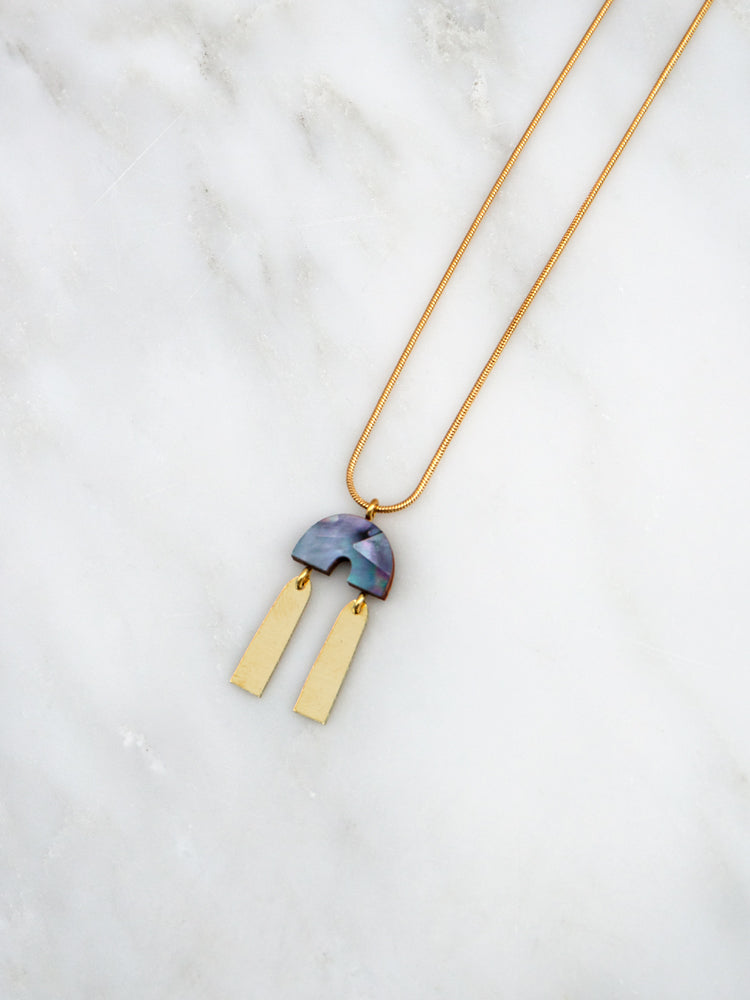 Cecilie Necklace in Blue Mother of Pearl