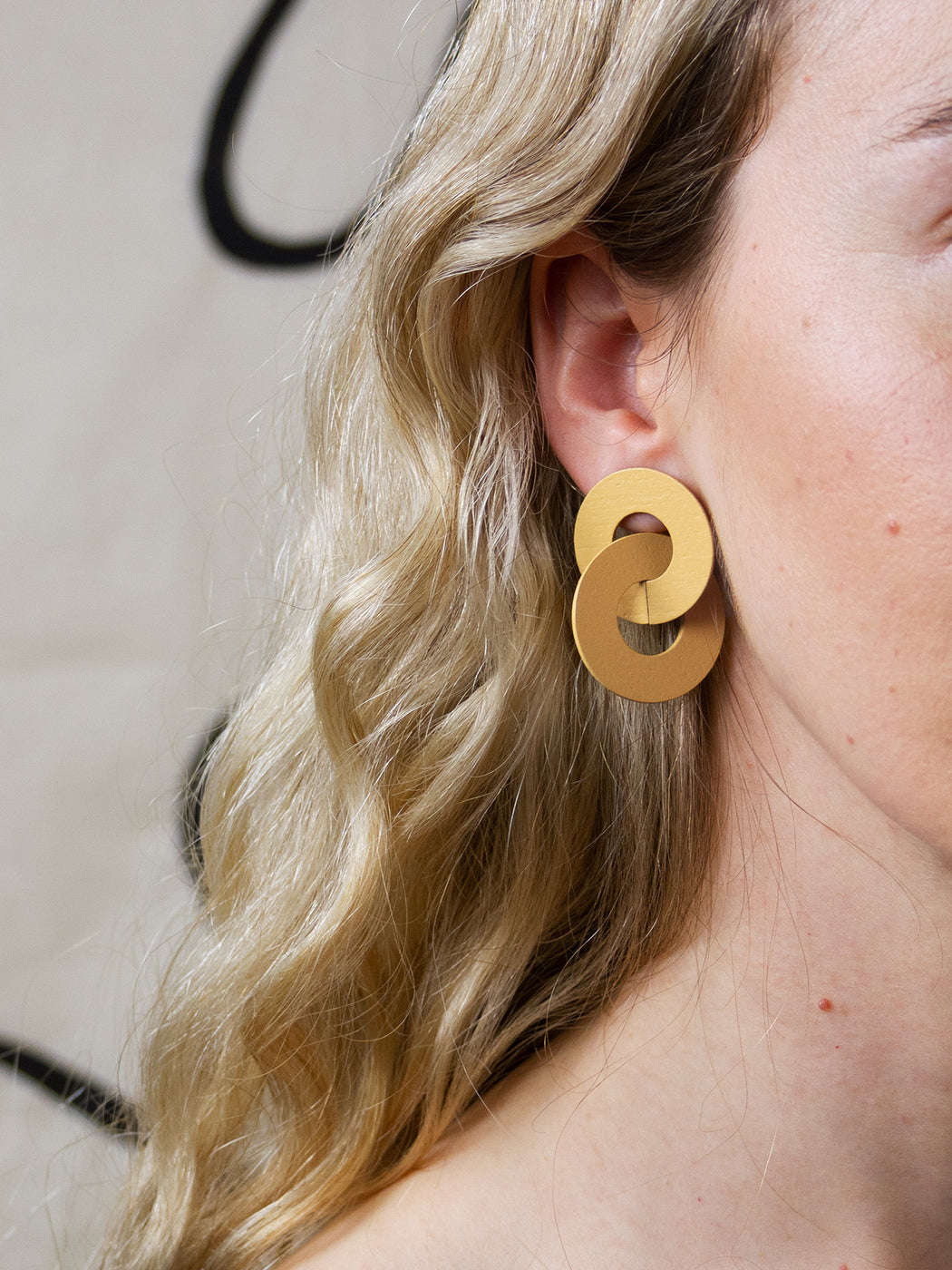 Cleo Earrings in Straw