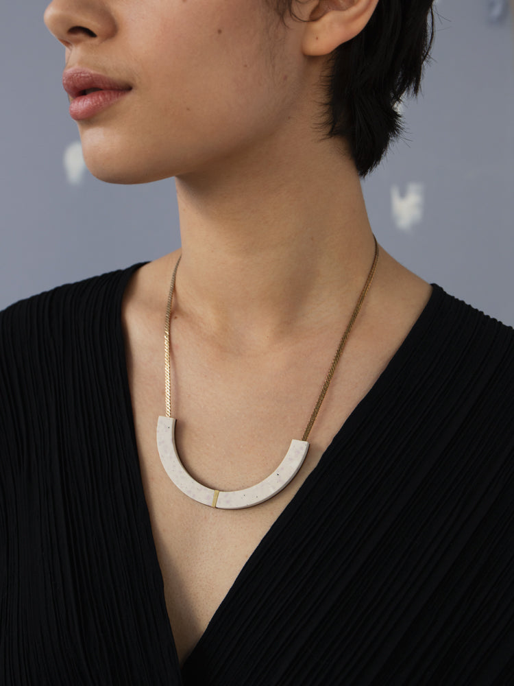 Juni Necklace in Natural Jesmonite