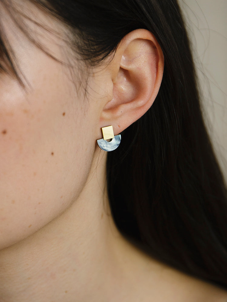 Mini Marina Studs in Blue Mother of Pearl
