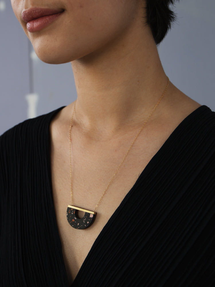 Sanna Necklace in Black Jesmonite
