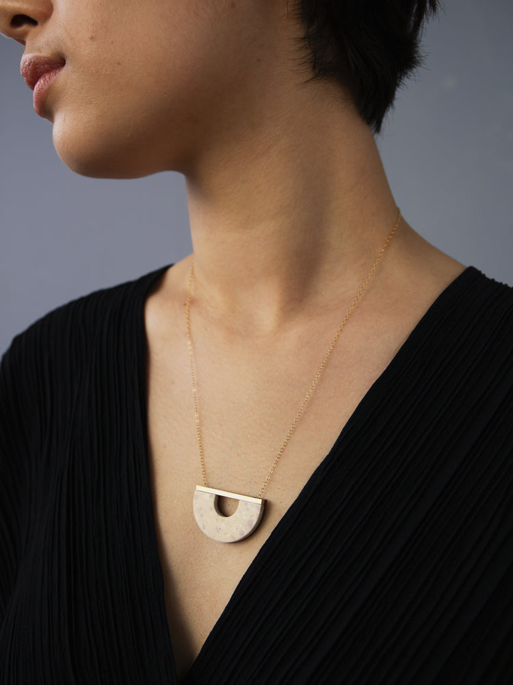 Sanna Necklace in Natural Jesmonite