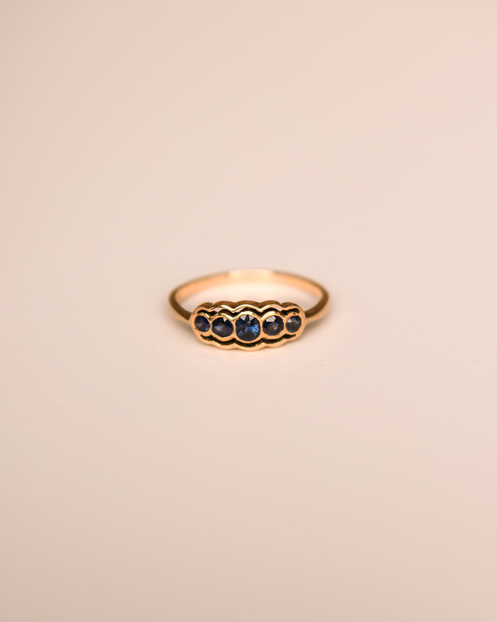 Nicollete 9ct Gold Vintage Sapphire Ring