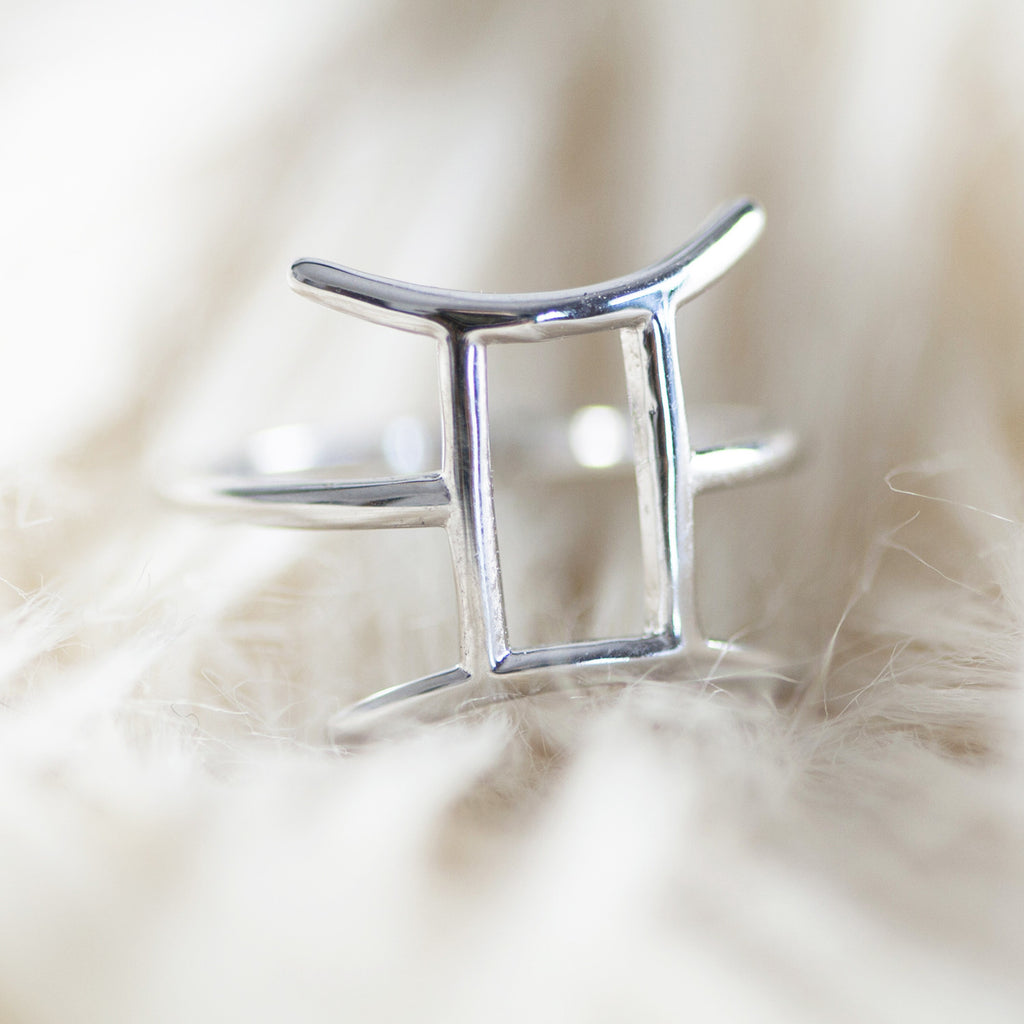 Bellatrix Sterling Silver Zodiac Ring - Gemini