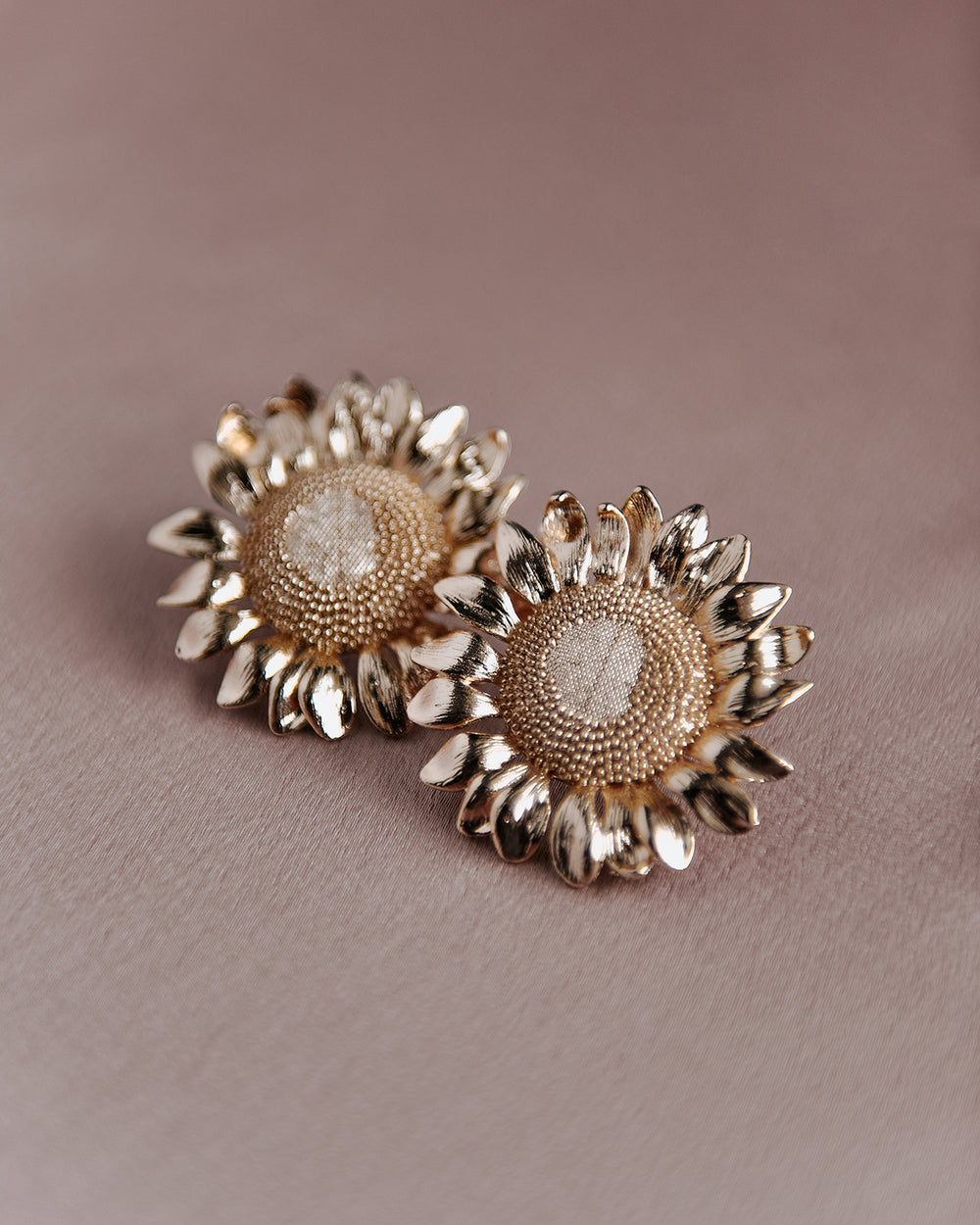 Helga Oversize Sunflower Earrings