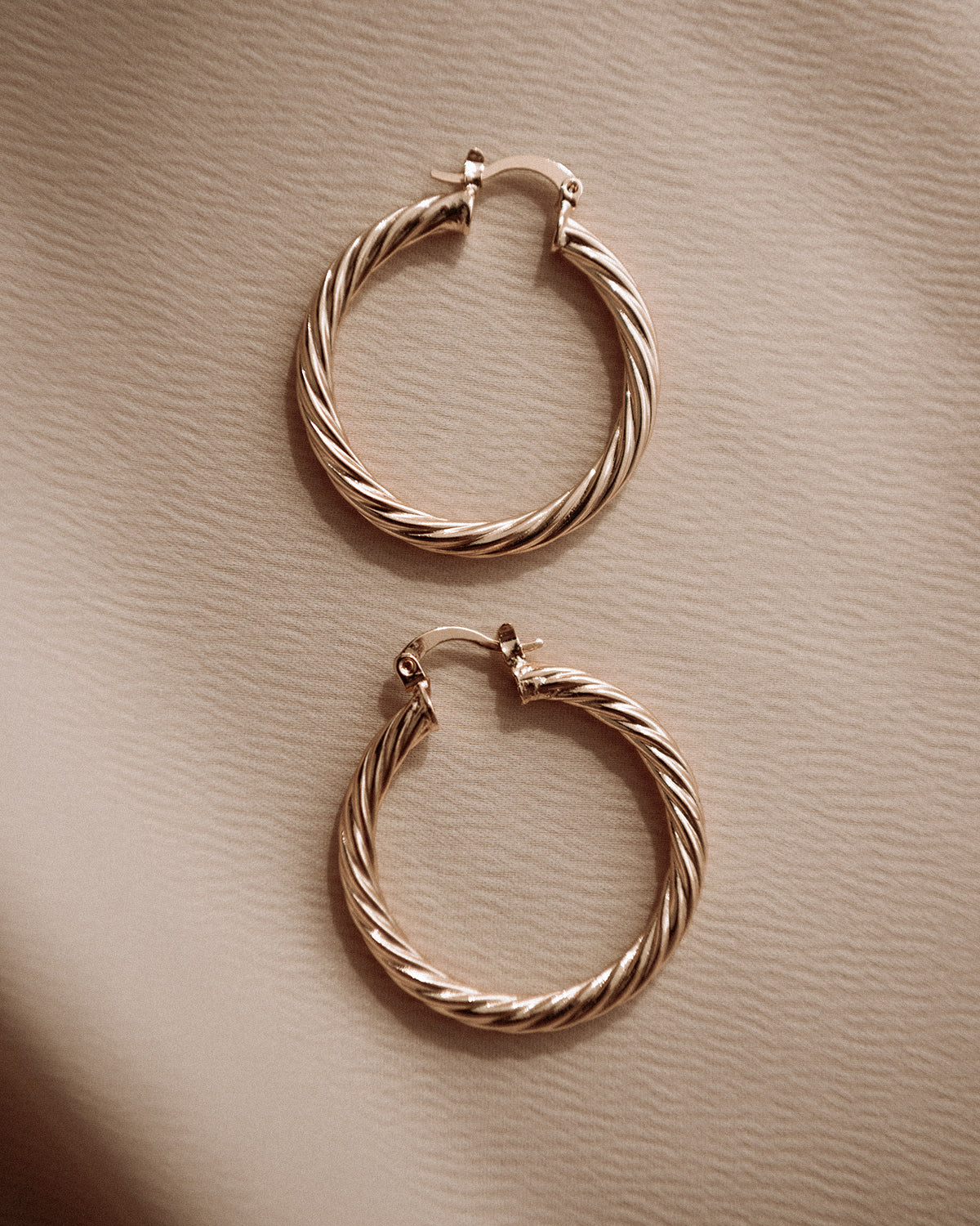 Image of Etta Twisted Hoop Earrings - Maxi